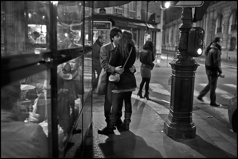 Peter_Turnley_French_Kiss_07
