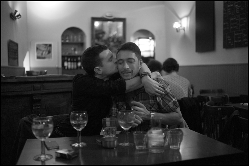 Peter_Turnley_French_Kiss_08