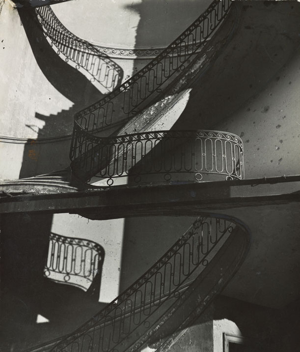 Courtesy of the Museum of Modern Art. John Parkinson III Fund. © 2012 Bill Brandt Archive Ltd.